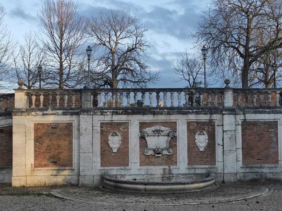 Fontana Fortezza Medicea Siena